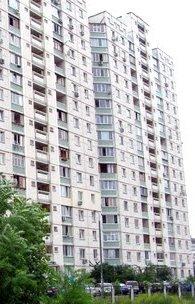 реклма в жилых домах возле лифтов Киев